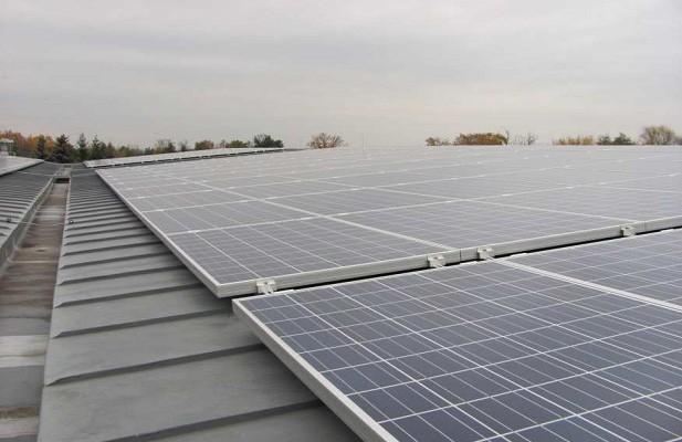 Bild 01 -Solaranlage ASB Gröditz mit einer Leistung von 136 kWp. Erbaut wurde die Anlage im Jahr 2011 bis 2012